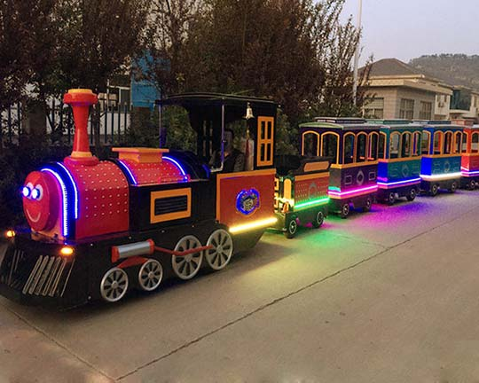 Beston-mall-or-party-trackless-train-man