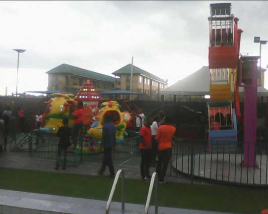 Nigeria-Customers-buy-Beston-kiddie-rides-for-sale