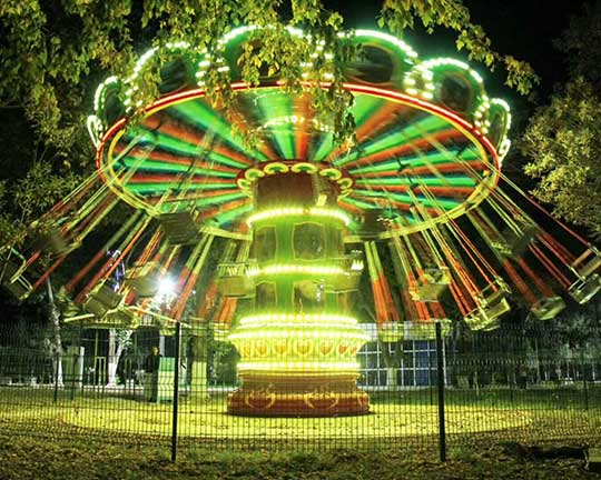 swings amusement park ride manufacturer